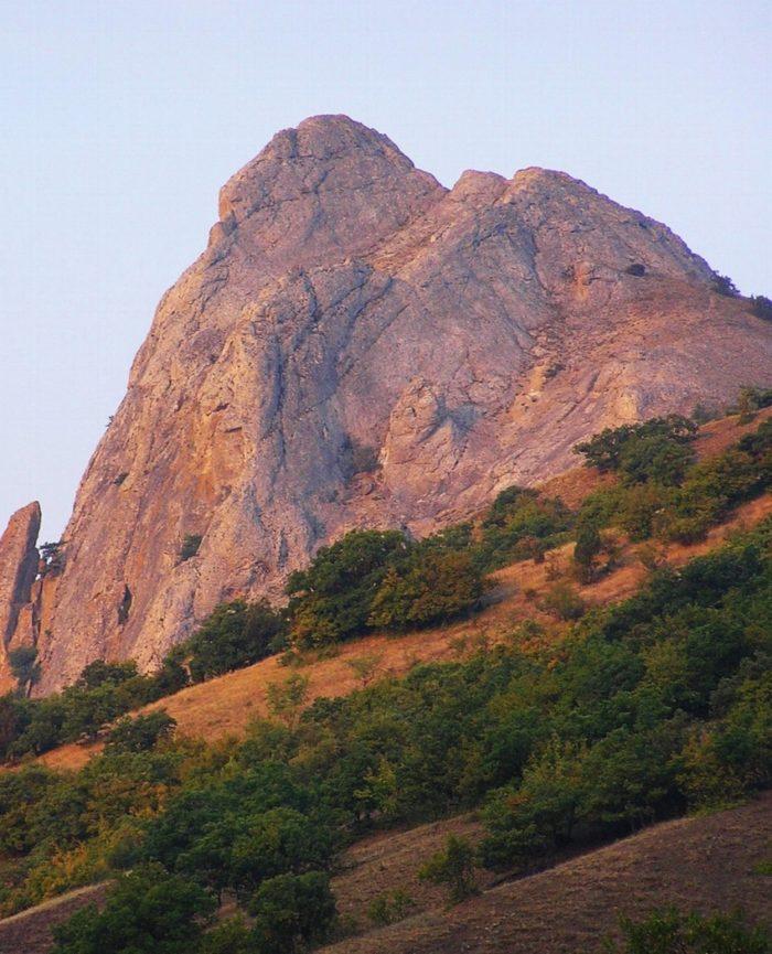 Гора Бака-Таш в Судаке (Лягушка)